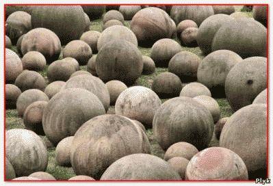 Круглые камни имею возраст около 12 000 лет, кто создал Мячи богов, что это за загадка природы? для чего камни