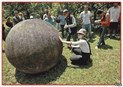 Загадки природы Огромное количество круглых камней разбросано по всему миру.