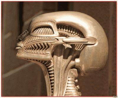 Скульптуры и картины из музея Гигера