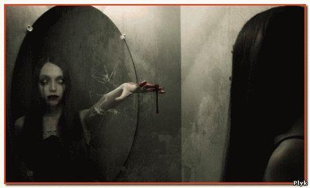 Городская легенда про заброшенный дом зеркал, в котором отражается призрак