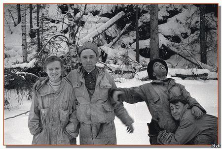 Группа Дятлово погиблана перевале Дятлова при загадочных обстоятельствах