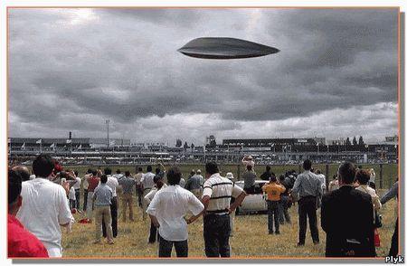 Сегодня много спорят,существует ли НЛО на самом деле или это всего лишь галлюцинации. А может НЛО это секретные разработки? Я считаю, что НЛО существует