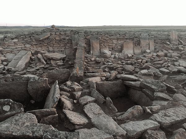 Казахстанская пирамидаnd in Kazakhstan
